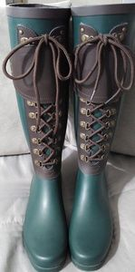 New UGG Rain Boots Hunter Sz 7/7.5